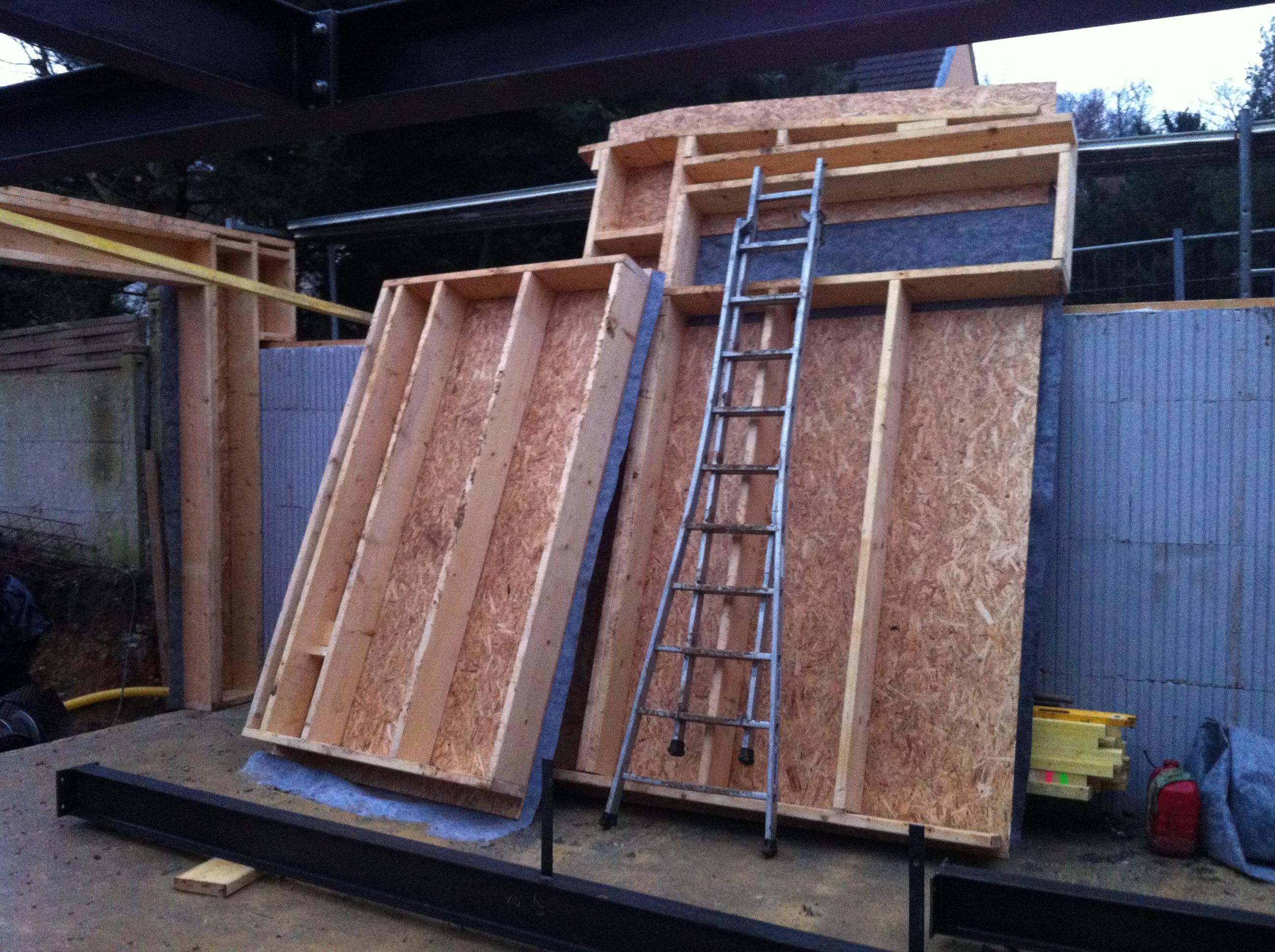 Lazinguerie l ossature bois d barque for Lisse haute ossature bois